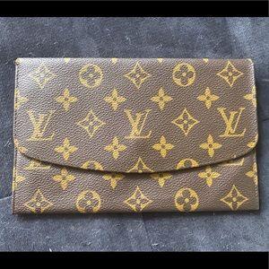 Authentic Louis Vuitton Pochette rabat Monogram